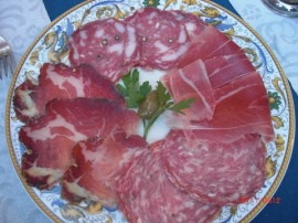 Oh, tasty tasty Tuscan salami. How I do love thee!